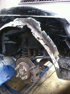 Saab 900 damaged rear wing