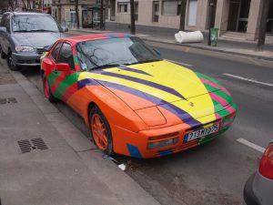 Colorful Porsche 944 in Paris