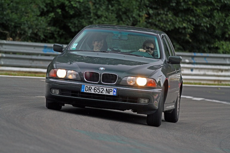 BMW E39 Touring cornering on the Nordschleife