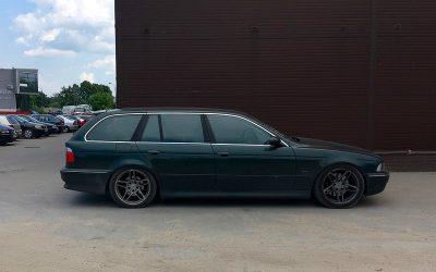 Vehicle introduction : 2000 BMW e39 523i Touring