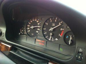 e39 gauge cluster